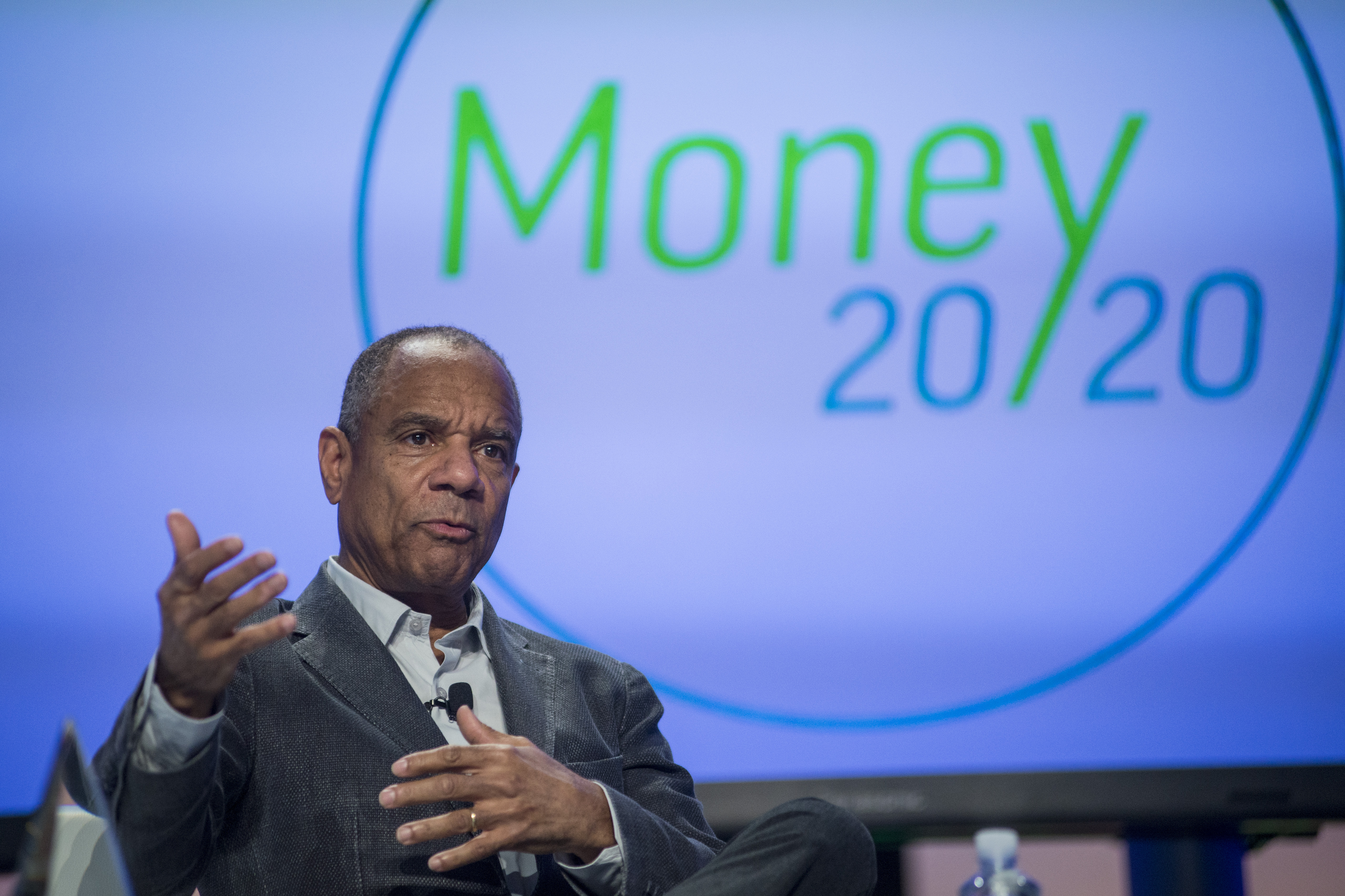 AmEx CEO Chenault To Exit, Succeeded By Vice Chairman Squeri