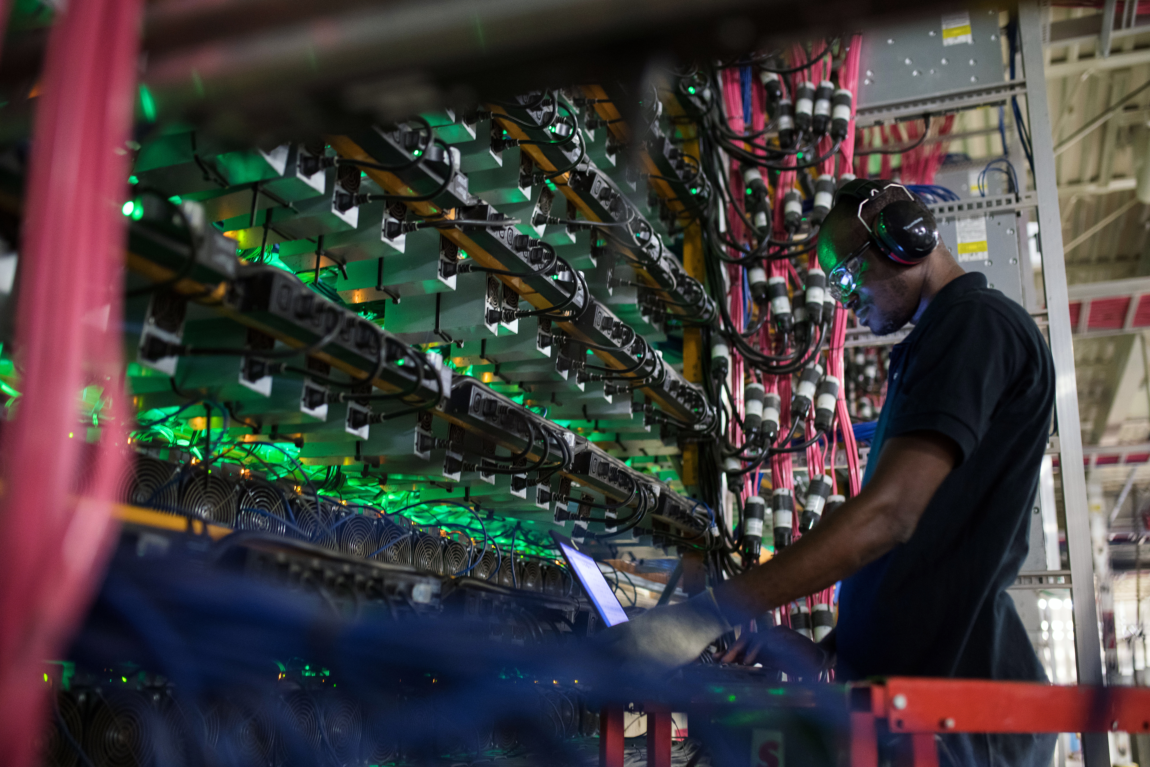 china plans to ban cryptocurrency mining in renewed clampdown